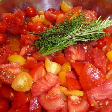 frische tomaten einkochen und konservieren einfaches rezept. Black Bedroom Furniture Sets. Home Design Ideas