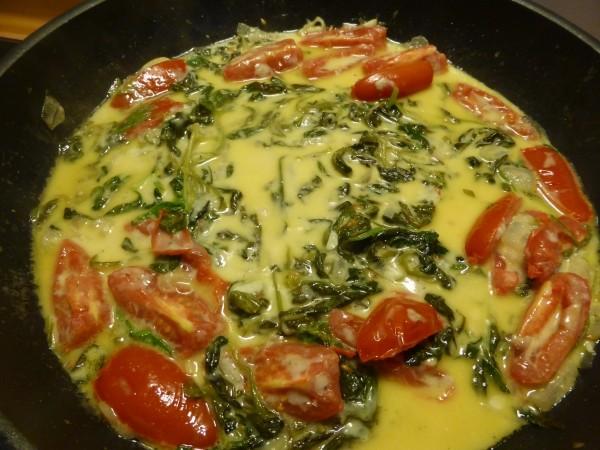 Tomaten und Spinat selbst anbauen für eine leckere Pastasauce