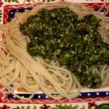 Salat: Schmackhaftes Pesto-Rezept mit dem vielseitigen Blattgemüse