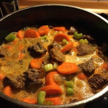 Herrlich-herzhaft: Irish Stew, Rezept für Eintopf mit Guinness