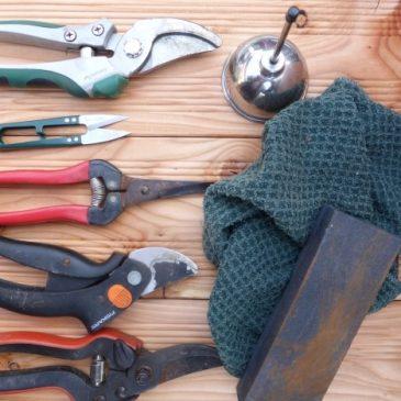 Vor oder nach dem Winter Gartengeräte richtig reinigen und pflegen