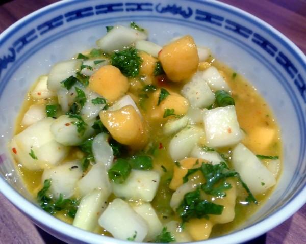 Grillsauce selber machen mit einem tollen Gurken-Rezept: Gurken-Mango-Salsa