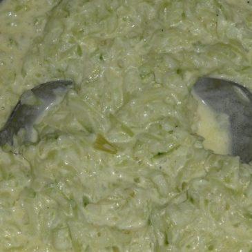 Cremig-aromatisch: Ein leckeres Gurkensalat-Rezept