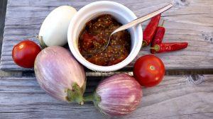 Indisches Auberginen Chutney Rezept, gut zum Einkochen von Auberginen