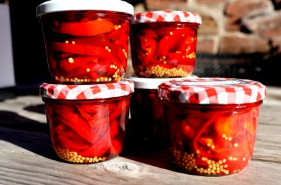 Aromatisch & vielseitig: Paprika süß-sauer als Antipasti einkochen
