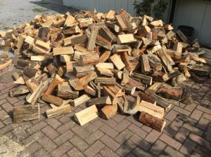 Holzständer selbst bauen für Scheitholz