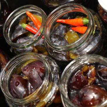Rezept für traumhafte Pflaumen oder Zwetschgen süß-sauer
