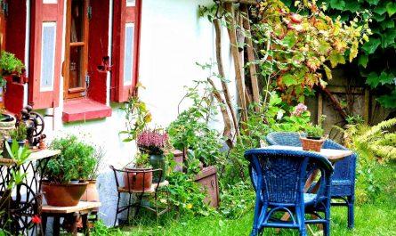 Schöne Blumentöpfe im skandinavischen Stil wie von Bloomingville verschönern Garten Sitzplatz und Eingangsbereich