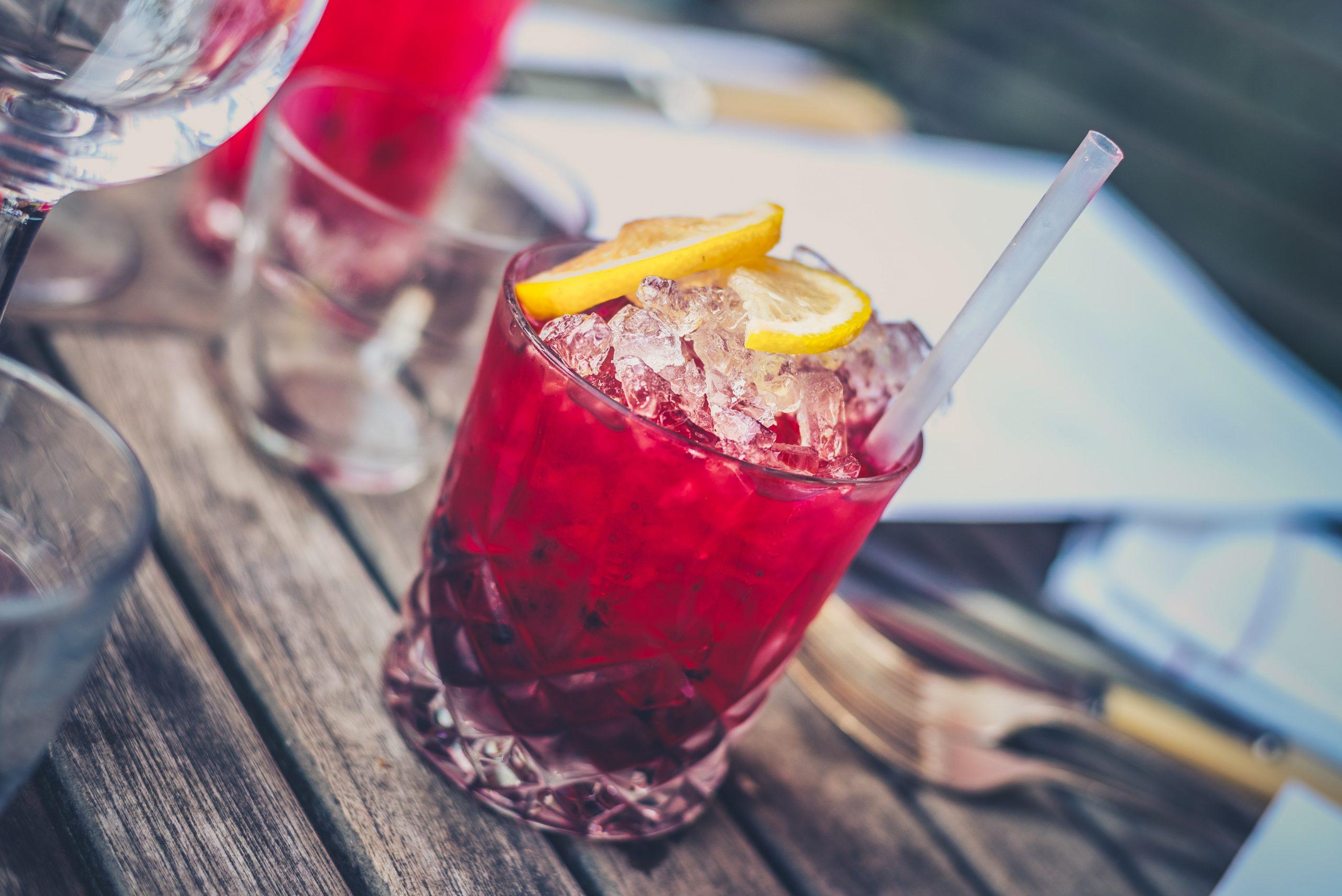 Gartenparty planen und Getränke wie das Trendgetränk Americano nicht vergessen